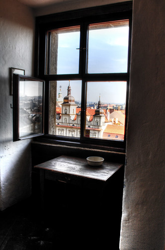 St Nicholas tower window. Prague. Ventana de la torre de San Nicolás. Prague