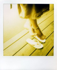 waving (Jersey Yen) Tags: feet night polaroid taiwan jersey taipei waving lovelyphotos sx70sonar shotbyken feltlife havedrinks