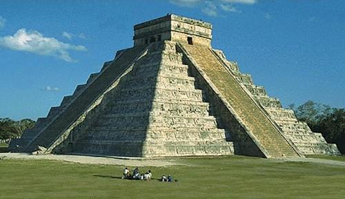 pyramid_maya-elcastil-lg