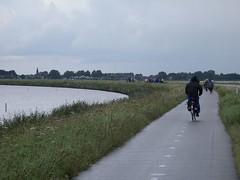 Marken - l'acquazzone lungo la strada (a.turchetto) Tags: amsterdam zeppelin alberto bici lucia alessandro
