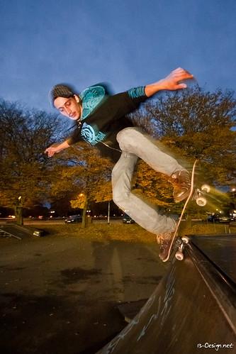 021110-Skate_wh_Loic-30.jpg