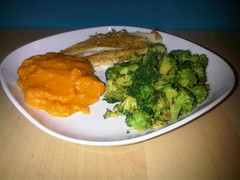 Pumpkin puree with yellowfin and broccoli