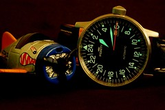 Fortis Flieger 24H (cnmark) Tags: macro up closeup hands close watch numbers luminous uhr 24h luminosity fortis lume flieger armbanduhr ©allrightsreserved