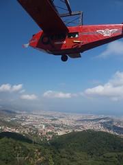 La atraccin avin del Tibidabo (jhderojas) Tags: barcelona vista tibidabo avion atraccion