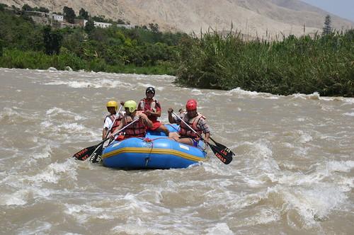 Lunahuana Peru, White water rafting por apulloa@sbcglobal.net.