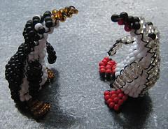 Pinginos. (naiarais) Tags: animal handmade artesania manualidades pingino abalorios hechoamano bolitas hechopornaiara animalesdebolitas