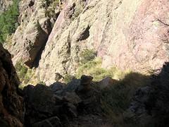 Dans la falaise sous Campu Razzinu