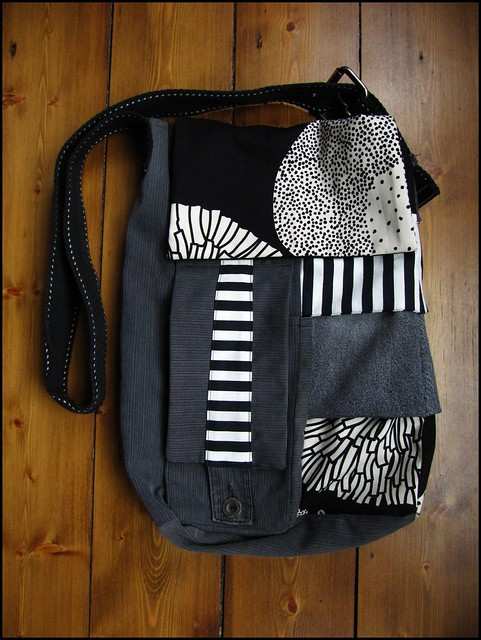upcycled man bag; craft, crafty, handmade, original, colour, color, etsy, sewn, sewing,bag, grey gray, black, white, upcycled