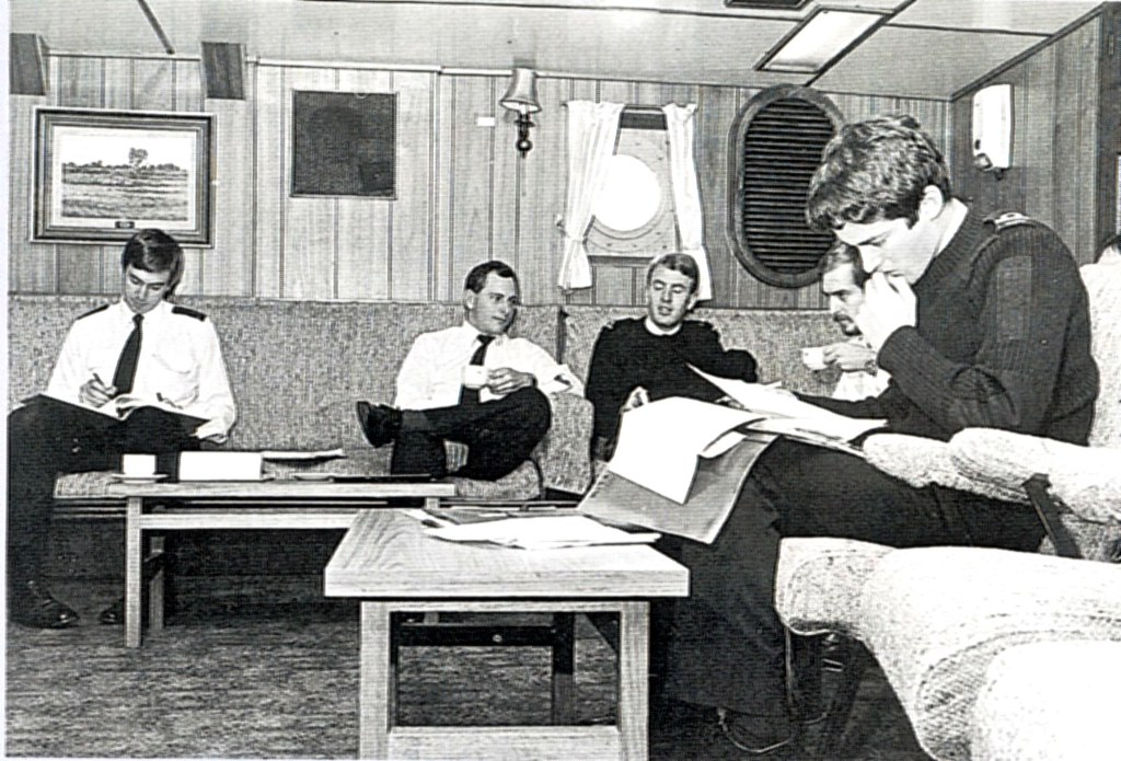 A Model-Maker's Guide to HMAS Vampire [II] post 1970-71 Modernisation. Wardroom corner. Photo Ross Gillett.
