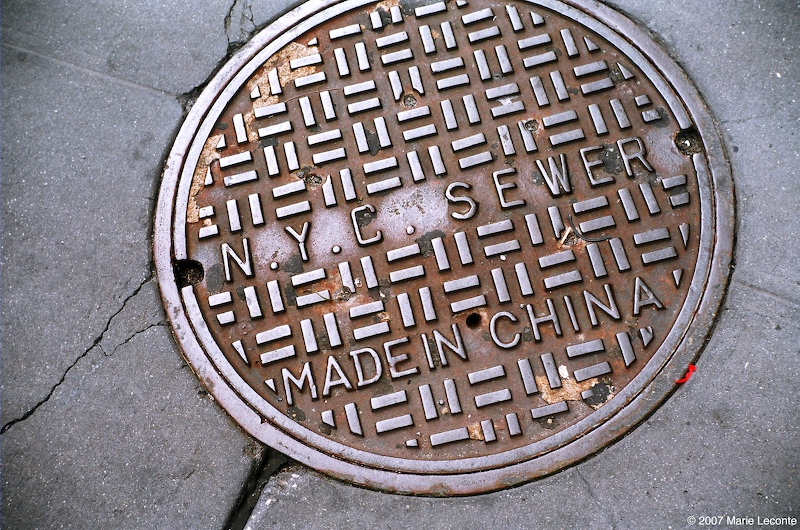 Travelling sewer cover