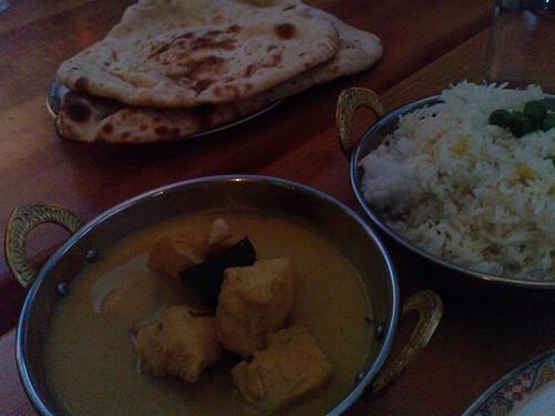 Lilla Torg 広場のインド料理(イエローカレー)
