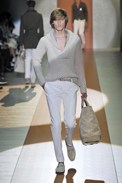 Demy Matzen3055_SS11_Milan_Gucci(first VIEW)