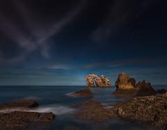 La puerta del Cantábrico (Explore Oct 21, 2010 #238Flat) (martin zalba) Tags: sea night stars landscape star noche mar paisaje estrellas estrella cantábrico liencres