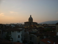 DSCF0156 (lilbuttz) Tags: sunset sky italy florence cityscape helensbirthday helensapartment exactlocationunknown accentflorencespring2002
