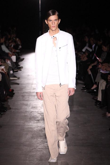 Gabriel Gronvik3097_SS11_Tokyo_corazon del alma(Fashionsnap)
