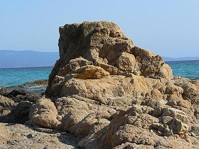 rocher plage ajaccio.jpg