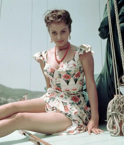 フリー写真素材, 人物, 女性, イタリア人, 女優, ドレス,