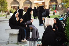 Iran Esfahan DSC_1024 (youngrobv) Tags: square am nikon asia locals iran middleeast persia esfahan 0704 iranians isfahan shah imam dx jahan اصفهان ايران safavid meidane d40 meidan naqsh naqshe dsc1024 ميداننقشجهان 55200mmf456gvr youngrobv