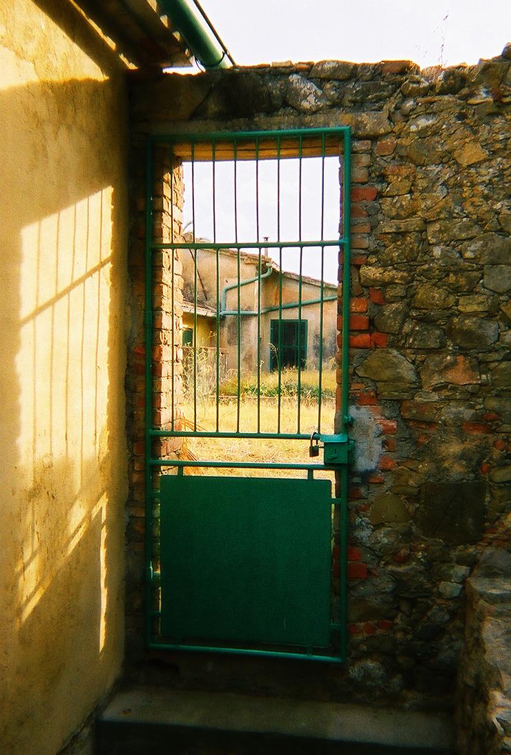 talamone-italia-gate