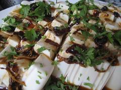 Silken tofu with chili oil (kattebelletje) Tags: tofu cilantro  chilioil doufu chillioil