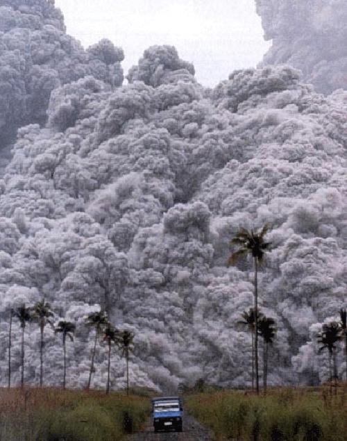 833056061 a860237ce2 o Danger and Beauty of Hawaiian Volcanoes