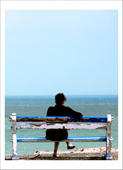 Sur le banc de la mer (Jessie Romaneix ) Tags: ocean sea mer love bench interestingness nikon truth solitude d70 song 5 text explore souvenir barbara amour memory telling banc chanson texte vrit aveu maplusbellehistoiredamour