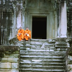 Angkor Wat (Linda DV) Tags: 2001 travel people geotagged asia cambodia religion culture buddhism angkorwat angkor culturaltravel lindadevolder photonegativescan