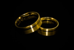 Just married... (manganite) Tags: wedding black macro colors closeup digital germany geotagged gold golden nikon europe soft bonn tl marriage rings fixed dreamy d200 nikkor dslr effect orton treatment on 50mmf18 northrhinewestphalia july24 closeuplense utatafeature manganite nikonstunninggallery ipernity challengeyou challengeyouwinner date:year=2007 gluckstrasse july242007 geo:lat=50733277 geo:lon=7090141 date:month=july