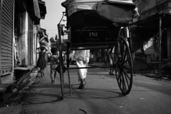 DSC_0422 (Tanja on flikr) Tags: 2005 bw india children rickshaw kolkata puller westbengal black38white