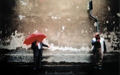 How you can find directions on the street (ale2000) Tags: street red two people blur wall umbrella lost florence blurry xpro candid streetphotography tourist crossprocessing directions photowalk firenze photoart hema turisti 535 turista viadellagnolo sfuocato turistica elikon utata:project=tw74