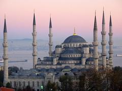 Six Minarets - Blue Mosque (H e r m e s) Tags: turkey minaret istanbul architect historical ottoman minarets sultanahmet buluemosque