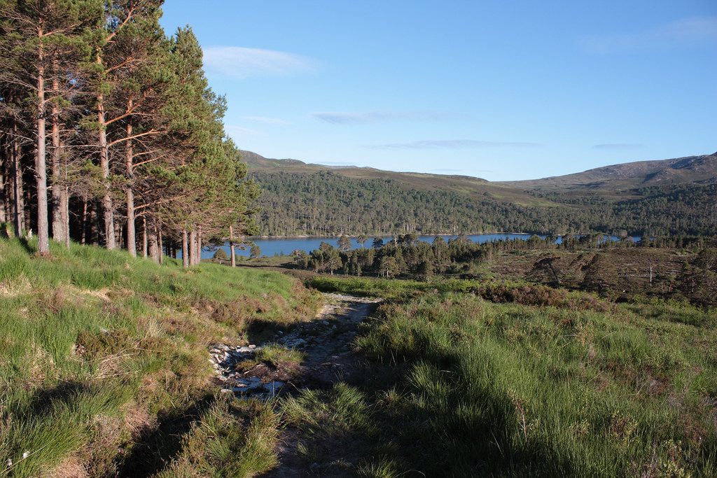 Dropping to Loch Beinn a' Mheadhoin