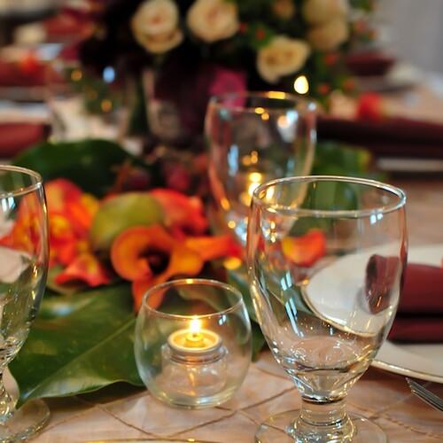 Elegant table setting at The Yacht Club at Marina Shores