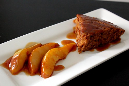 ginger cake with caramelized pears