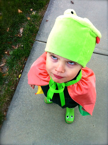 Kes the scary frog!