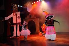 Da de los Muertos (kcezary) Tags: colors dayofthedead mexico teatro theater theatre kunst showtime rivieramaya dadelosmuertos   canoneflens primelens canonef35mmf20 canonprimelens canon5dmkii exploremexico mylensdb