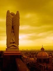 ngel guardin (Gloria Zelaya) Tags: sunset sky mxico angel mexicocity df lavilla basilicadeguadalupe dflickr gloriazelaya dflickr180607