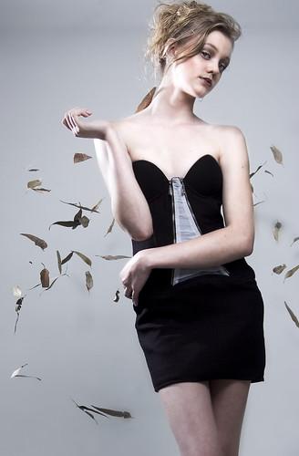 [フリー画像] 人物, 女性, ファッション, スタジオ, ブラジル人, 201007112100