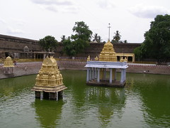kanchi temple holy pond (pallav moitra) Tags: beach temple tamil nadu kanchipuram mamalapuram