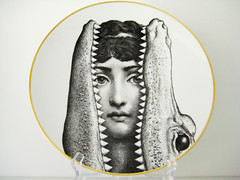 Fornasetti - Temi e variazioni #24 (Jen44) Tags: dish julia gator pierre alligator plate crocodile croc plates dishes collectible platter porcelain variation collectibles collectorsitem fornasetti pierrefornasetti temievariazioni