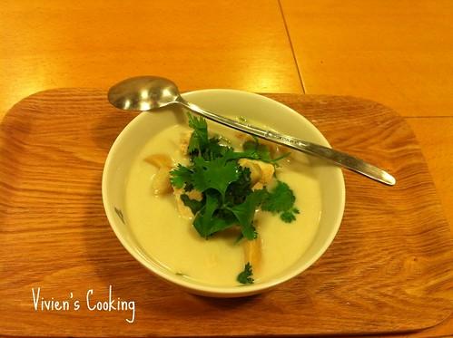 椰汁雞肉濃湯