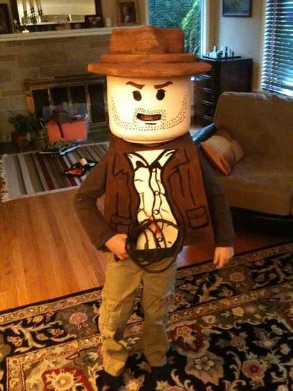 DIY LEGO Indiana Jone halloween outfit