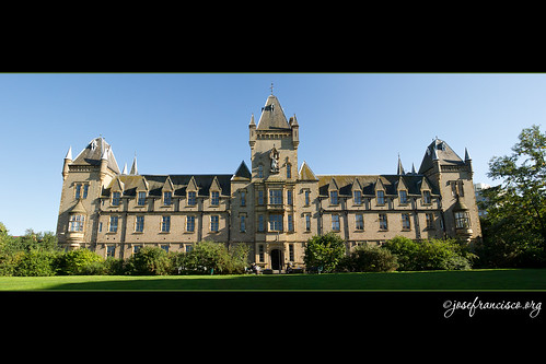 Royal Victoria Patriotic Building [pano]