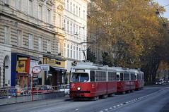 An der Spitalgasse kommt es öfters zu einem Trambahnstau - auf diesem Streckenast fahren alleine 5 Linien (Frederik Buchleitner) Tags: wien e1 spitalgasse 4839