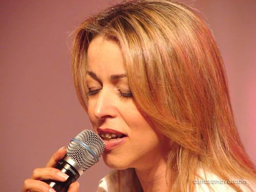 Enchei Vos Do Espírito Santo De: Cantora Adriana Em Anápolis.