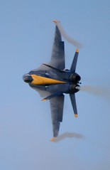 Blue Angels High-G Turn (Christopher Madeira) Tags: station virginia aviation military air jet hornet naval blueangels vapor nas oceana air beach fa18c show aviationblue virginia