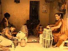 Lady making Drums (Mezzotint) Tags: with meetup couch ganesh surfers puja