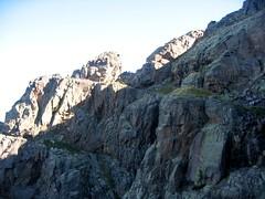 Depuis l'extrémité Campu Razzinu Sud : le piton rocheux versant Campu Razzinu Ouest