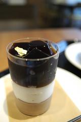 Glass Tiramisu, Paul Bassett, Shinjuku (yuichi.sakuraba) Tags: cake tokyo cafe shinjuku sweets cappuccino 新宿 paulbassett ポールバセット