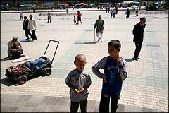 at the square - Kashgar (Maciej Dakowicz) Tags: china travel people tourism children square asia muslim islam mosque xinjiang kashgar oldtown kashgaroldtown